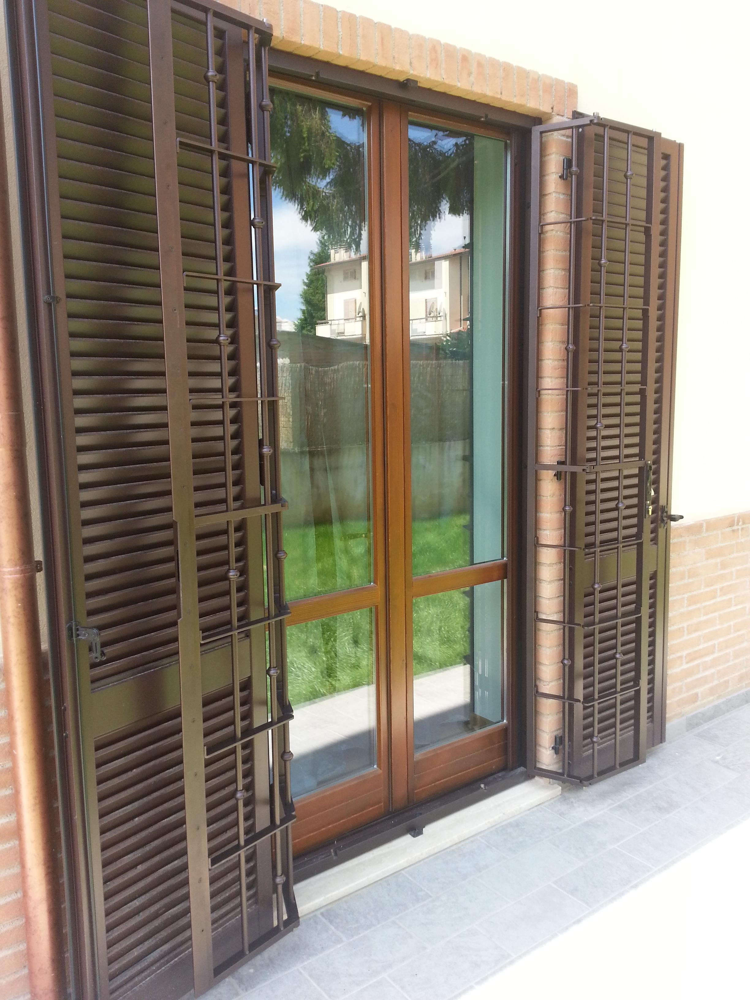 Inferriate per finestre prezzi inferriata acciaio - Catalogo inferriate per finestre ...